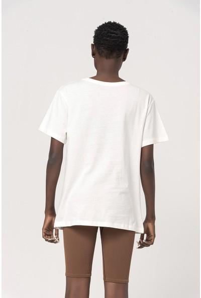 Coral Nakışlı T-Shirt Beyaz