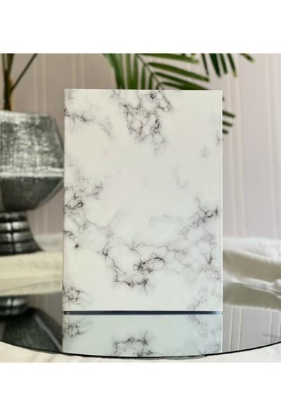 Fiyonk Beyaz Mermer Tasarımlı Lak Kapaklı Tarihsiz Ajanda