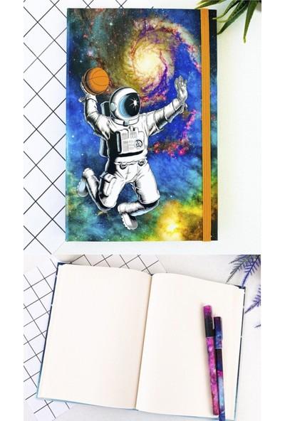 Fiyonk Basketbol Oynayan Astronot Tasarımlı Lastikli Defter