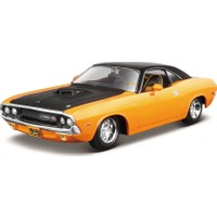 Maisto Design 1:24 1970 Dodge Challenger R/T