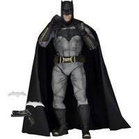 Neca Batman V Superman: Dawn Of Justice Batman 1/4 Scale Figure