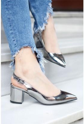 İnce Topuk Topuklu Sandalet Gümüş