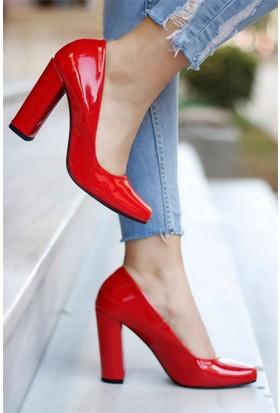 İnce Topuk Topuklu Ayakkabı Kırmızı