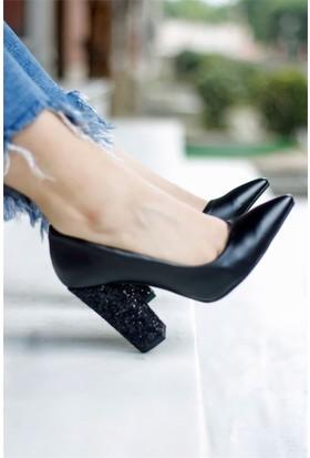 İnce Topuk Simli Topuklu Ayakkabı Siyah