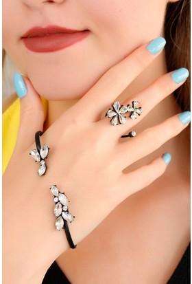 Moco Parlak Taşlı Çiçek Figürlü Bayan El Bileziği 522475