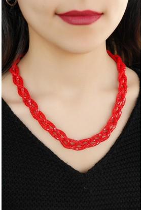Moco Kırmızı Renkli Metal Hasır Tasarım Örgü Detaylı Bayan Kolye Modeli 523767