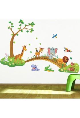 Zooyoo Sevimli Hayvanlar Köprü Ağaç Duvar Sticker Ev Anaokulu Dekor Çıkartması Çocuk Odası Sticker 137X93
