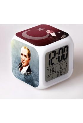 Lopard Mustafa Kemal Atatürk Dijital Masa Saati 7 Led Işıklı Saat Termometre Başucu Gece Lambası ve Lopard Kalem