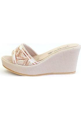 Shop And Shoes 155-3000-1 Kadın Terlik Bej Nakışlı