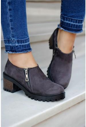 İnce Topuk Kısa Topuklu Ayakkabı Füme