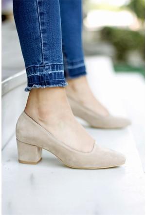 İnce Topuk Kısa Topuklu Ayakkabı Ten