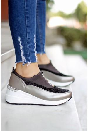 İnce Topuk Kalın Taban Spor Ayakkabı Bej