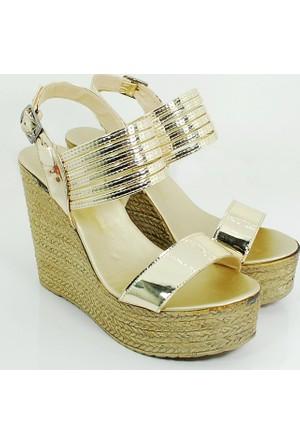 Ezel Dolgu Topuk Kadın Rugan Ayakkabı-Altın-113300-01