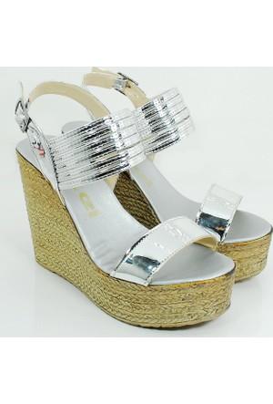 Ezel Dolgu Topuk Kadın Rugan Ayakkabı-Gümüş-113300-02