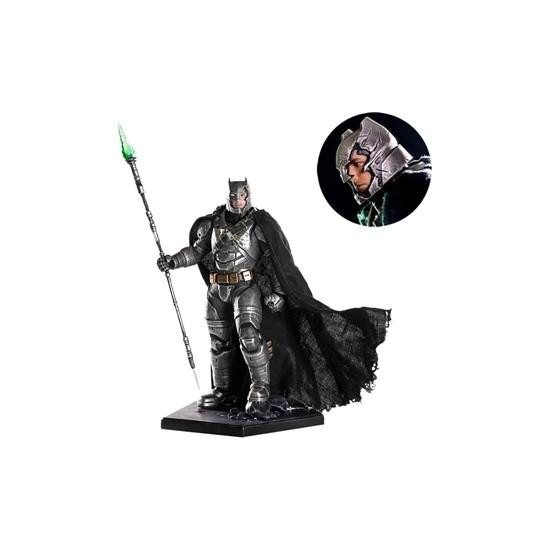 Iron Studios Armored Battle Damaged Batman Bvs: Dawn Of Justice Art Scale Statue