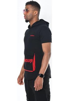 Siyah Nakışlı Cep Detaylı Kapüşonlu T-Shirt