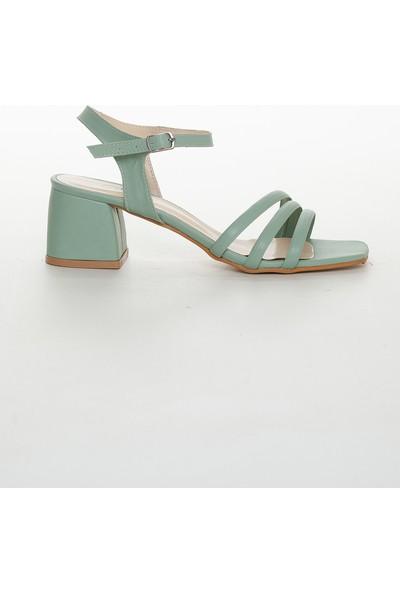 Zulu Kadın Su Yeşili Kısa Kalın Topuklu Ayakkabı