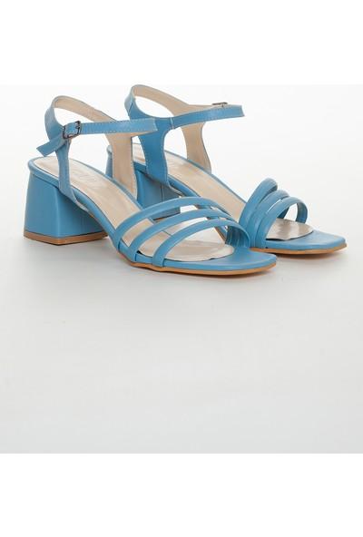 Zulu Kadın Mavi Renkli Kısa Kalın Topuklu Ayakkabı