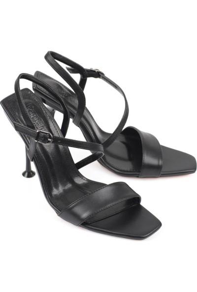 Capone Outfitters Capone 1000 Kadın Topuklu Sandalet
