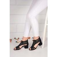 Weynes Kadın Siyah Taşlı Düz Taban Sandalet BA20856
