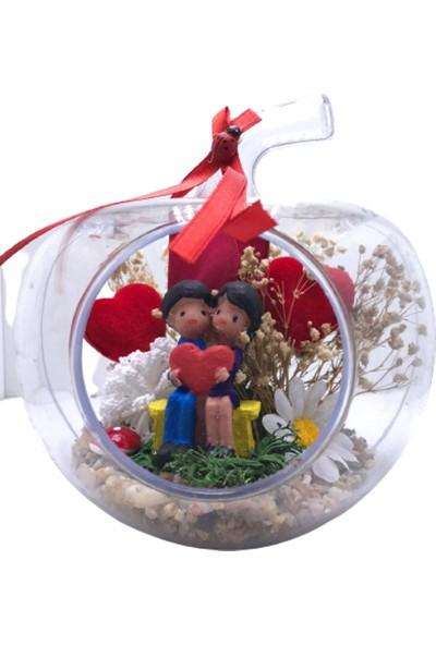 Bbc Bankta Oturan Kalpli Sevgili Temalı Elma Cam Mini Teraryum Fanus