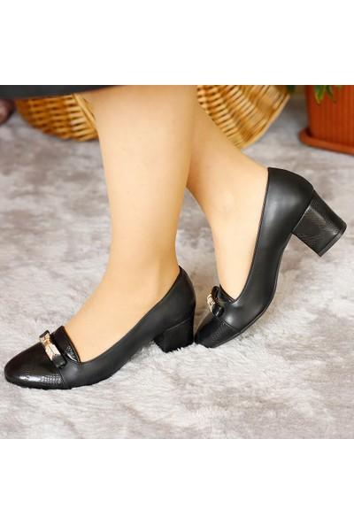 Classy Kadın Siyah Cilt Mevsimlik Yumurta Topuk Ayakkabı