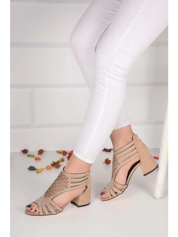 Weynes Kadın Krem Taşlı Düz Taban Sandalet BA20856