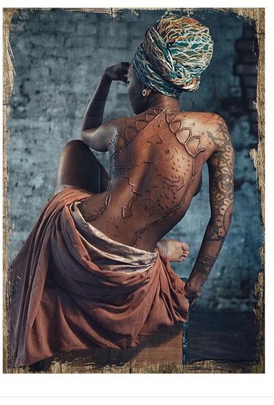 Tablomega Afrikalı Kadın Desenli Ahşap Tablo 25 cm x 35 cm