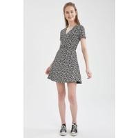 Defacto V Yaka Bağlama Detaylı Desenli Elbise