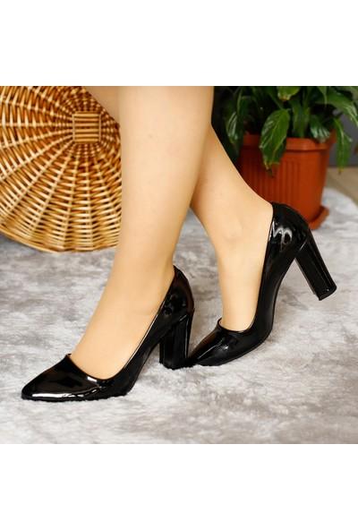 Classy Kadın Kalın Topuklu Sade Stiletto Ayakkabı
