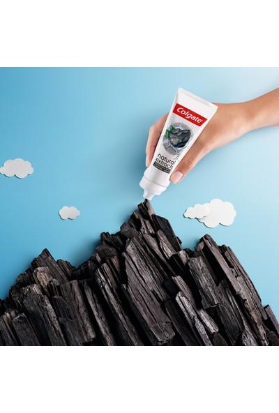 Colgate Natural Extracts Aktif Karbon ve Nane Saf Temizlik Diş Macunu 75 ml