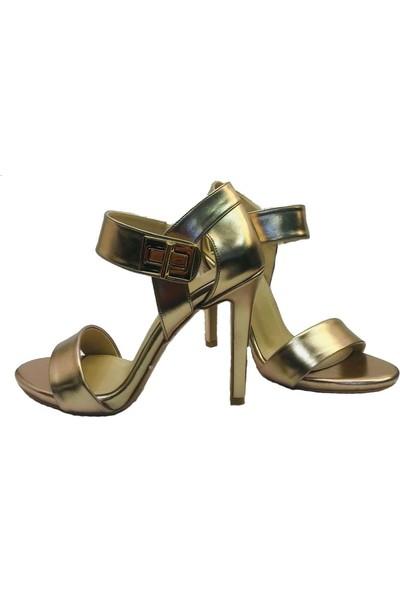 Kriste Bell Topuklu Altın Ayakkabı