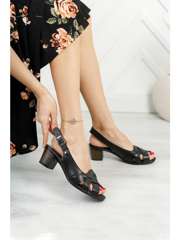 Diego Carlotti Deri Kadın Günlük Klasik Topuklu Sandalet
