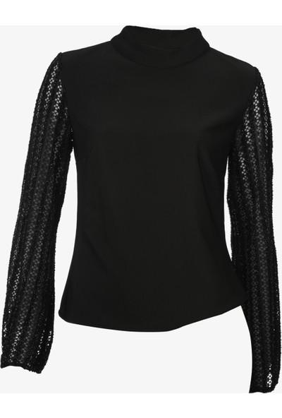 Sateen Kol Detaylı Siyah Bluz