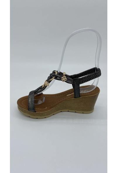 De Scarıo Dolgu 022 Taslı Parlak Sımlı Sandalet