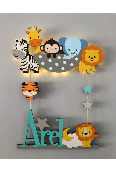 Atölye Selçukum Işıklı Isme Özel Ahşap Bebek Odası Kapı Süsü - Safari Hayvanlar