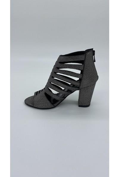 Cudo 001 Platın Çatlak Sandalet