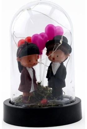 Burdan Eve Mini Kuru Çiçekli Şapka Detaylı Sevgili Temalı Işıklı Teraryum 9X14 cm