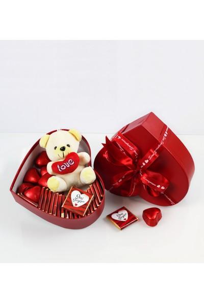 Nuga Sevimli Ayıcıklı Kırmızı Kalpli Kutu Çikolata