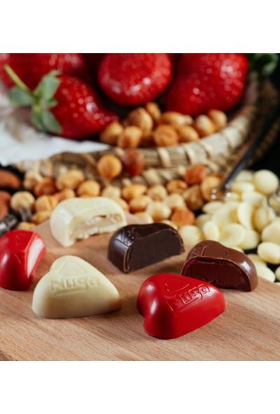 Nuga Nice Mutlu Senelere Kuşaklı Kalpli Kutu Çikolata