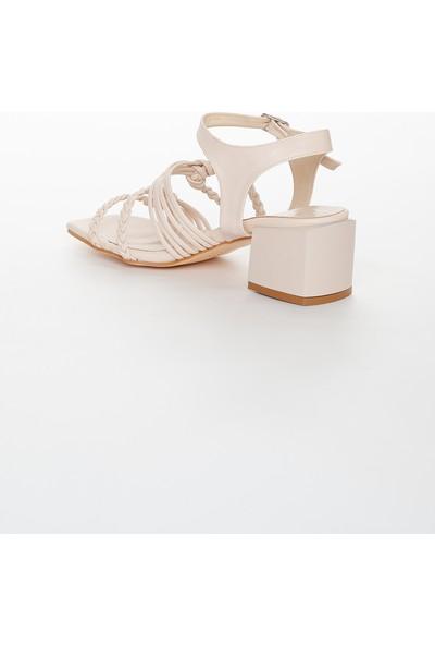 Zulu Kadın Bej Renk Kalın Topuklu Ayakkabı