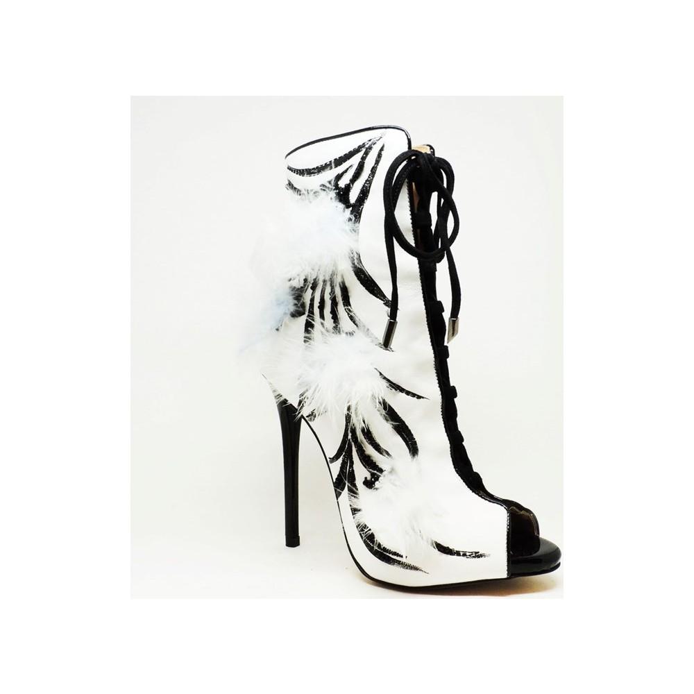 Shop and Shoes 104-414313 Beyaz Bayan Bot