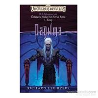 Dağılma Örümcek - Kraliçe'nin Savaşı Serisi 1.Kitap