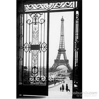 Paris Gates Maxi Poster
