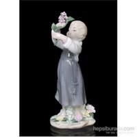 Çiçek Toplayan Kız Figürlü Porselen Biblo