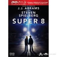 Super 8 (Bas Oynat)