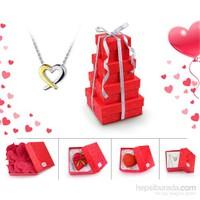eJOYA Pırlanta Kalp Kolye- Sevgililer Günü Özel Hediye Kulesi (365 Gün Seni Seviyorum Yazısı- Çikolata ve Kalp Sabun )