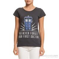Köstebek Doctor Who Kadın T-Shirt