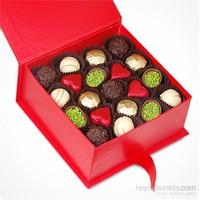 ChocChic Kırmızı Kutuda Spesiyal Sevgililer Günü Çikolatası