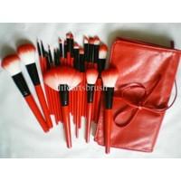 Hannah Kırmızı 24 Parça Çarpıcı Deri Çantalı Makyaj Fırça Seti